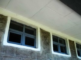 Mesincho school - glass windows - south
