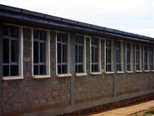 Mesincho school - glass windows - north